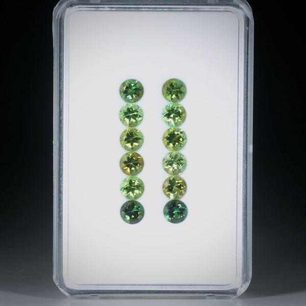 Turmalin rund facettiert 12 Steine total 4.59ct. Durchmesser ca. 4.2mm