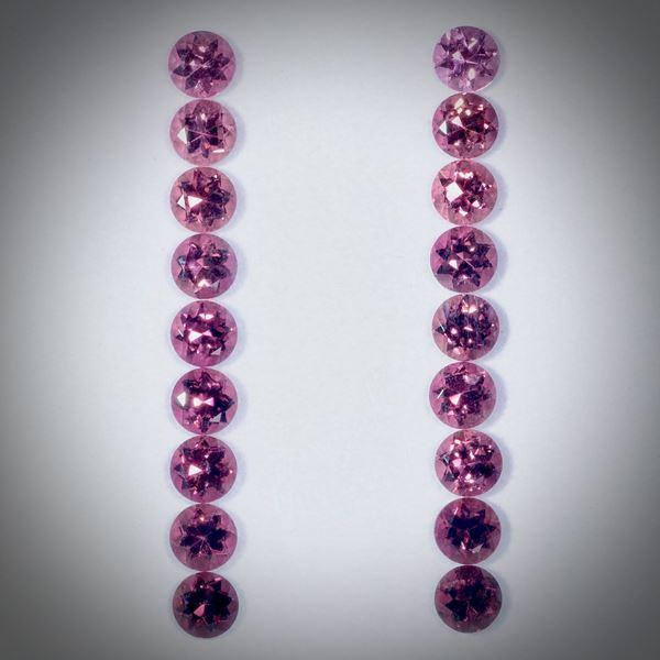 Turmalin rund, Set aus 18 Steinen 4.83ct. Durchmesser ca.3.5mm