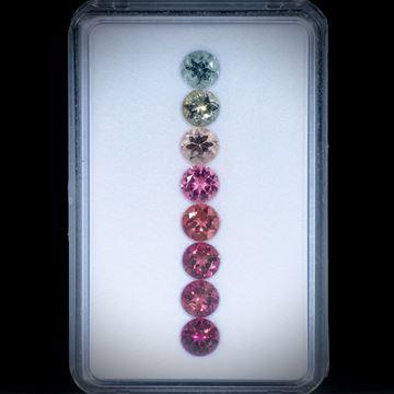 Turmaline, rund facettiert, 8 Steine, 5.09ct. Durchmesser ca. 5.5mm