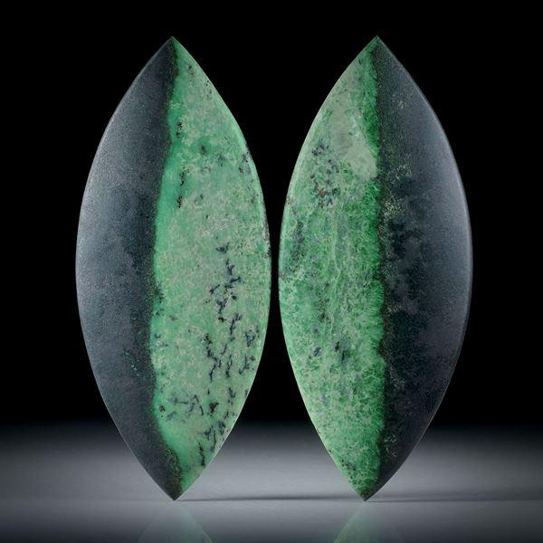 Grossular Paar 98.88ct. symmetrische Navetteform mit natürlichem Farbverlauf, je ca.56x24x4mm
