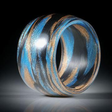 Karbonring mit Glasfaser Libellenblau und Bronze, gerade Form, bombiert mit gerundeter Innenkante, 14mm breit, Innendurchmesser 17.7mm