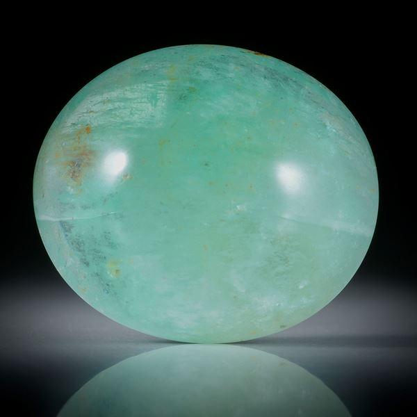 Smaragd Cabochon 66.08ct. oval bombiert ca.29.5x25.5x13.5mm