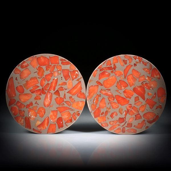 Edelkoralle corallium rubrum, in Bronzematrix, Paar 73.26ct. Rondellen plangeschliffen und poliert, je ca.35x35x2.3mm