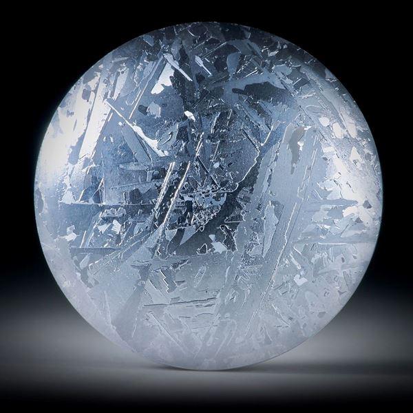 Silizium Rondelle 33mm Durchmesser,  bombiert geschliffen mit gut sichtbarer Kristallstruktur