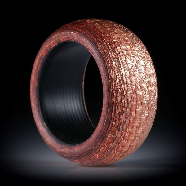 Glasfaserring mit Blattkupfer, karierte Struktur, Bandring hoch bombiert, feinmatt und mit Karbon Innenring, Innenkanten gerundet, Innendurchmesser 19.1mm, Breite 12.6mm