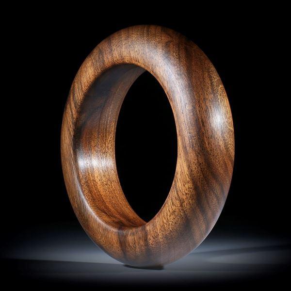 Armreif aus Nussbaumholz, halbrundes Profil, Breite ca.24mm, Innendurchmesser 66.5mm