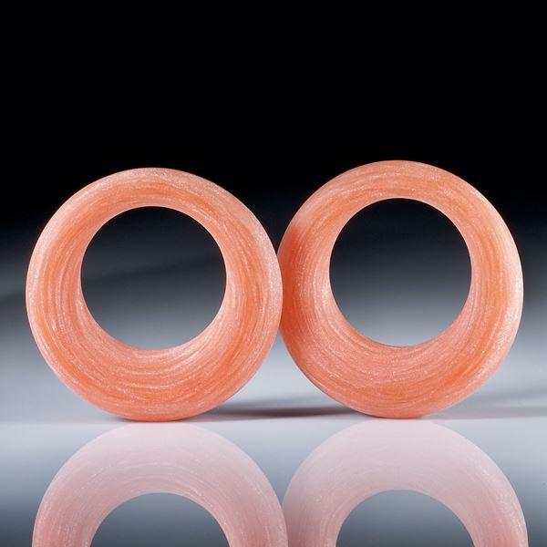 Creolen aus Glasfaser Cadmiumorange mittel, mit Perlglanzpigment magic White, ovaler Querschnitt, Aussendurchmesser 28.5mm, Innendurchmesser 16.5mm