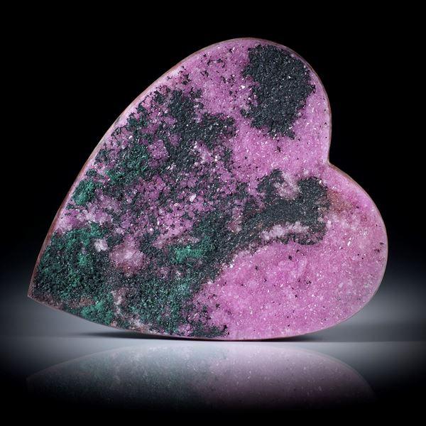 Kobaltcalcit (Kongo) Herzform ca.49x41x6mm, mit natürlich aufgewachsenen Kristallen, Rückseite flach