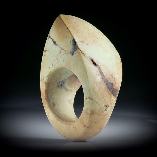 Zitronenchrysopras Fingerring, hohe Form im Verlauf geschliffen und feinmatt, Innendurchmesser 18.1mm