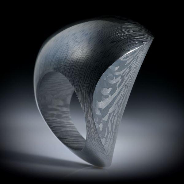 """Karbon Fingerring, bequeme Freiform """"Zweiflächer"""" matt/poliert, Innendurchmesser 19.1mm"""