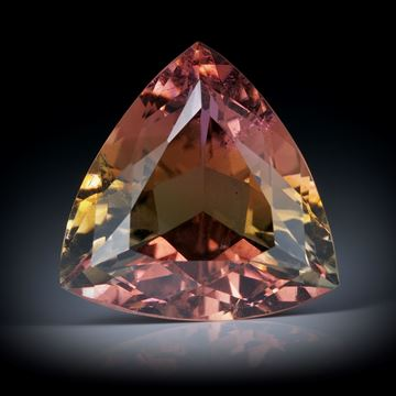 Turmalin 8.39ct. Dreieckform facettiert, mit Farbverlauf ca.14.5x14.5x7.5mm