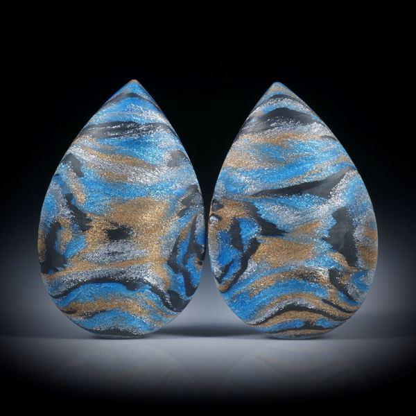 Carbon Tropfen Paar mit Textilglas Bronce und Libellenblau, beidseitig bombiert und feinmatt, je ca.32x21x7.5mm