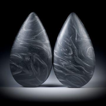 Carbon Tropfen Paar mit unregelmässigem Faserverlauf, beidseitig bombiert, je ca.34.5x19.5x8mm