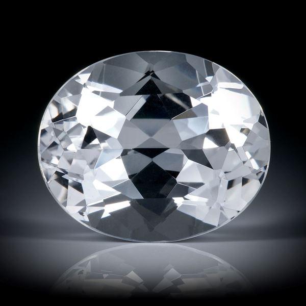 schweizer Bergkristall 18.8ct. Oval facettiert ca.20x16.5x10.5mm