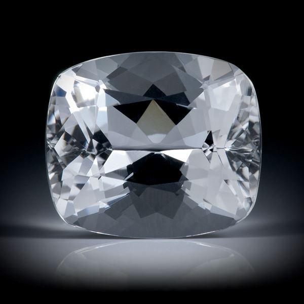 schweizer Bergkristall 11.31ct. Kissenschliff ca.15.5x13x9.5mm