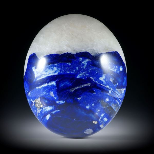 Lasurit-Kristall in Marmor, ovaler Cabochon ca.36x30x11.5mm