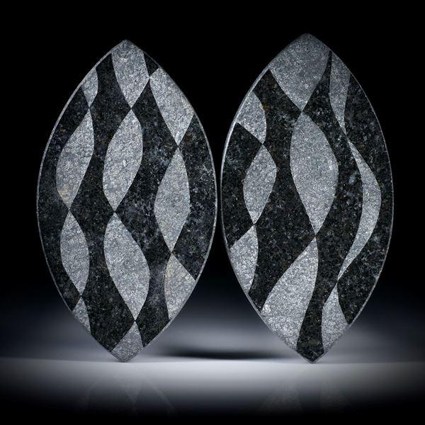 Gabbro (nero assoluto), Navette Paar mit sandgestrahltem Muster, je ca.48x27x2.5mm
