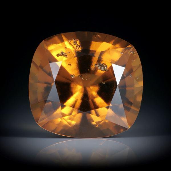 Granat (Hessonit) Tansania 20.43ct. Cushion Cut 17x16x10.5mm