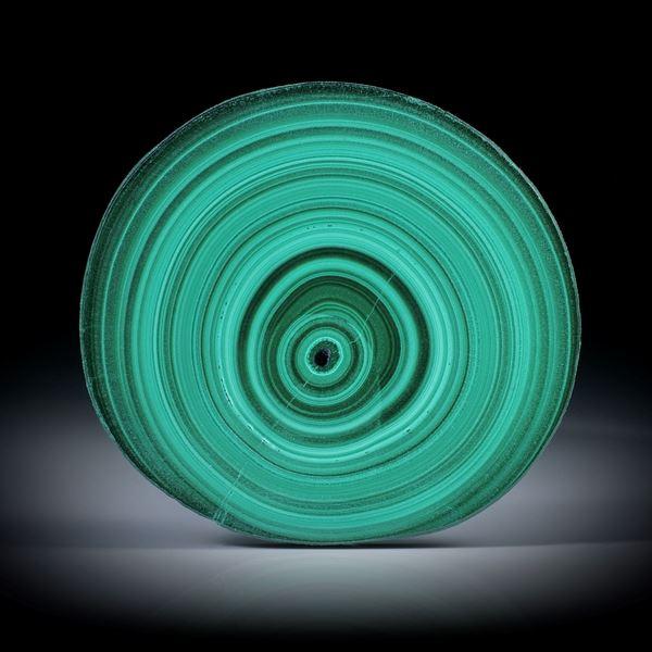 Malachit, polierter Stalaktit Querschnitt mit intakter Aussenhaut, ca.45x42x6mm