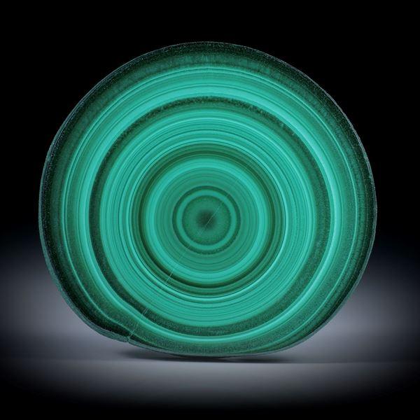 Malachit, polierter Stalaktit Querschnitt mit intakter Aussenhaut, ca.46x43x7mm