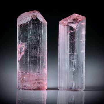 Turmalinkristall Paar, bicolor, total 33.9ct. mit angeschliffenen Standflächen, ca.27x10x6mm