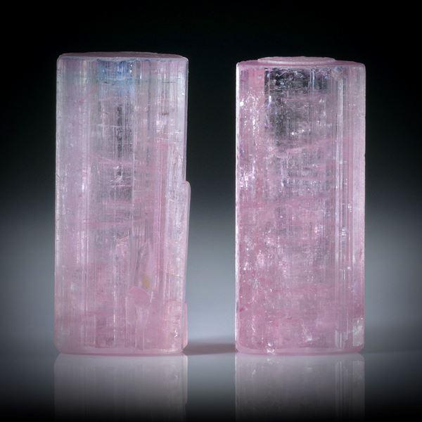 Turmalinkristall Paar rosa, total 33.9ct. mit angeschliffenen Standflächen, ca.20.5x9x8mm