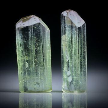 Turmalinkristall Paar, bicolor, total 22.16ct. mit angeschliffenen Standflächen, ca.24x7.5x5.5mm und ca.22.5x10x5.5mm