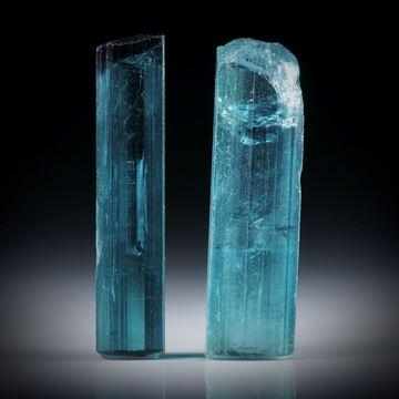 Turmalinkristall Paar, total 27.25ct. mit angeschliffenen Standflächen, ca.28x8x7mm und ca.29x6x5.5mm