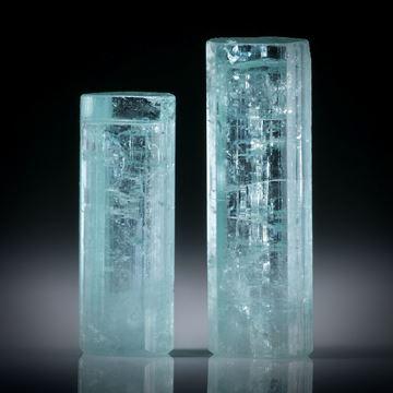 Turmalinkristall Paar, total 21.72ct. mit angeschliffenen Standflächen, ca.23x8x5.5mm und ca.19x7x6mm