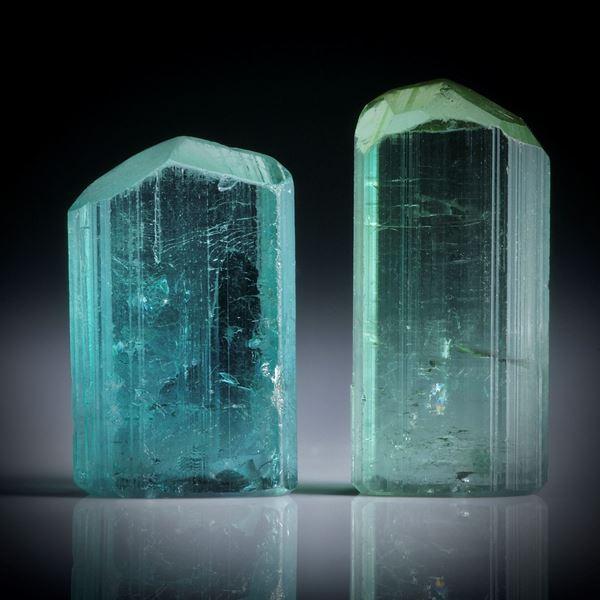 Turmalinkristall Paar, total 17.26ct. mit angeschliffenen Standflächen, ca.17.5x8x5.5mm und ca.15x9.5x5mm