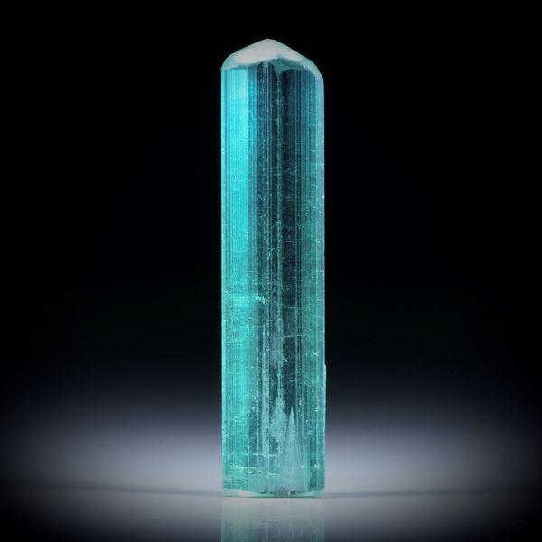 Turmalinkristall 12.22ct. mit angeschliffener Standfläche, ca.31x7x5mm