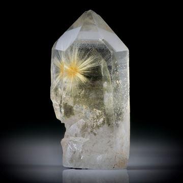 Bergkristall mit Chloritphantom und büschelförmigem Rutil Cluster