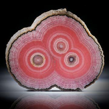 Rhodochrosit Stalaktit Querschnitt, mit intakter Aussenhaut, beidseitig geschliffen und poliert, ca.89x74x9mm