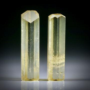 Goldberyll Kristall Paar 35.1ct. ca.32x9x6.5mm und 31x8.5x6.5mm