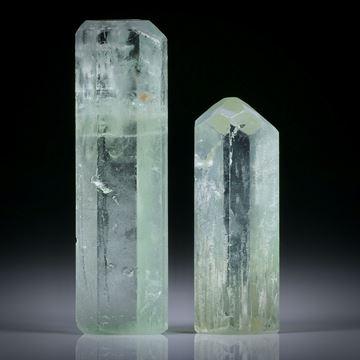 Beryllkristall Paar 64.22ct.  ca.40x11.5x10mm und 31x11x9.5mm