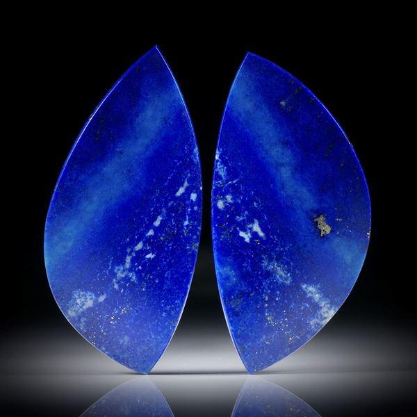 Lapislazuli Paar 48.67ct.  Blatt-Formen in Torsion geschliffen und beidseitig poliert, je ca.45x22x3mm