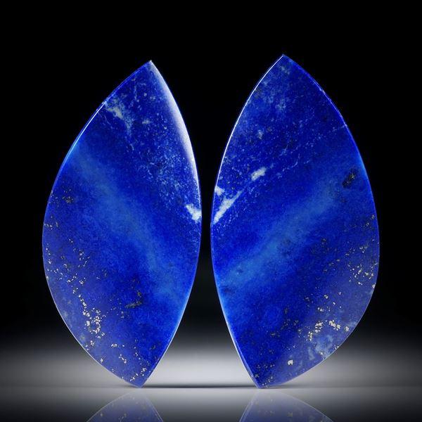 Lapislazuli Paar 50.17ct.  Blatt-Formen in Torsion geschliffen und beidseitig poliert, je ca.42x21x4mm