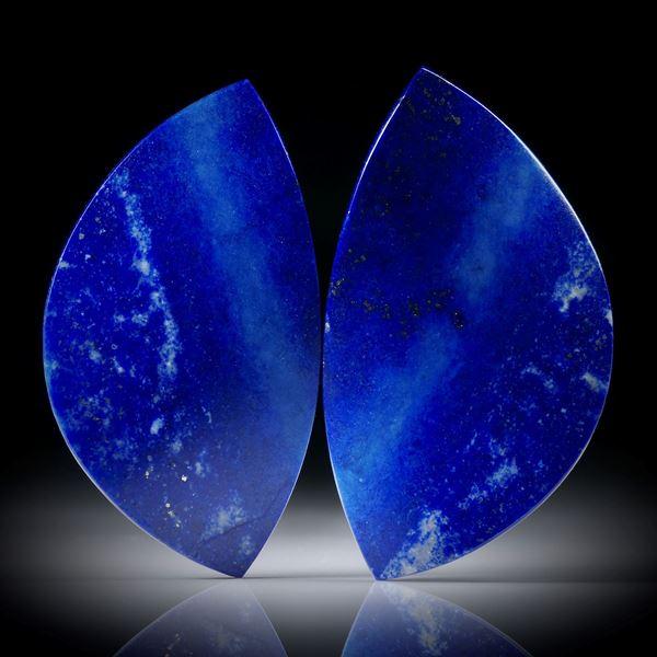 Lapislazuli Paar 40.74ct.  Blatt-Formen in Torsion geschliffen und beidseitig poliert, je ca.39x22x4mm