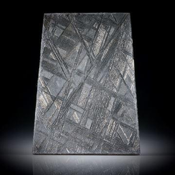 Eisenmeteorit mit geätzter Oberfläche, Trapezform ca.32.5x24.5x2.5mm