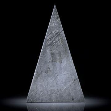Eisenmeteorit mit geätzter Oberfläche, Dreieckform ca.41x25x2.5mm