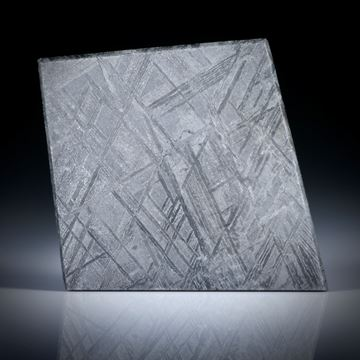 Eisenmeteorit mit geätzter Oberfläche, Drachenform ca.41x35x2.5mm