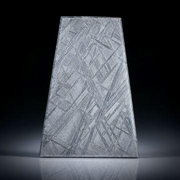 Eisenmeteorit mit geätzter Oberfläche, Trapez ca.27x19x2.5mm