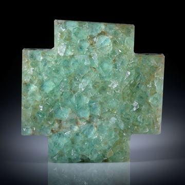 Fluoritkristalle auf Muttergestein aufgewachsen, Kreuz ca.39x39x9mm