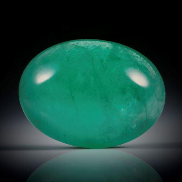 Smaragd 10.86ct. ovaler Cabochon ca.17.5x13x7mm