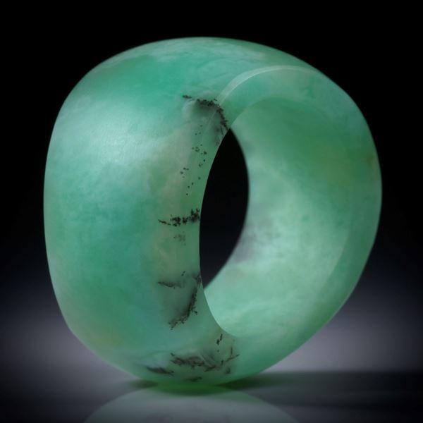 Chrysopras Fingerring, geschwungene Form, matt, Breite von 13 bis 17mm, Innendurchmesser 19mm