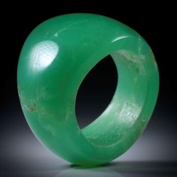 Chrysopras Fingerring, geschwungene Form, poliert, Breite von 9 bis 18mm, Innendurchmesser 19.1mm