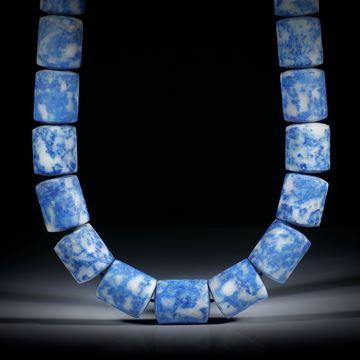 Edelsteincollier aus Lapislazuli, Zylinderformen mit bombierten Stirnseiten, Durchmesser ca.14.5mm, Länge ca.42cm